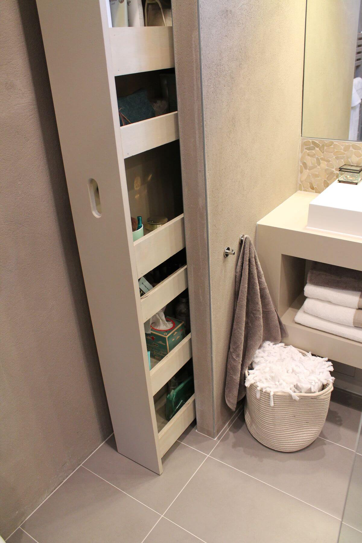 Sliding Storage Space for Stowing Bathroom Necessities