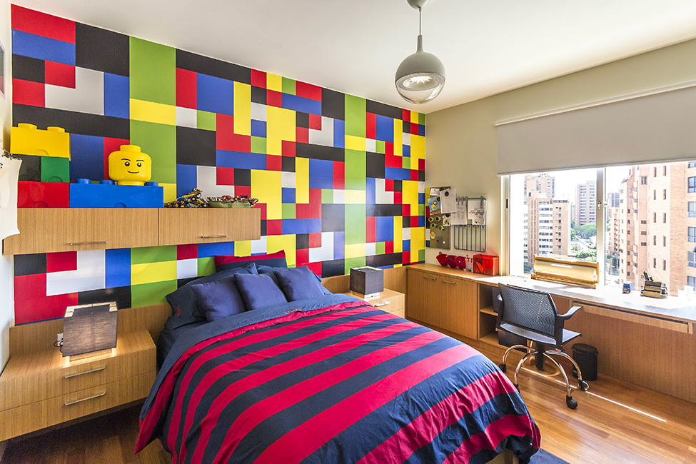 Classic Colors LEGO Room Design Idea