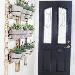 01-farmhouse-plant-decor-ideas-homebnc