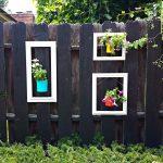 01-garden-fence-decoration-ideas-homebnc