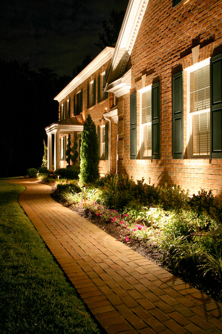 25 Creative Landscape Lighting Ideas
