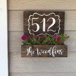 01-porch-wall-decor-ideas-homebnc