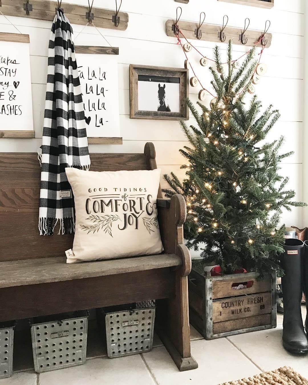 Country Christmas Mud Room Decor