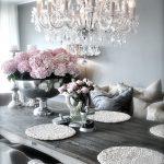 01-rustic-glam-decorations-ideas-homebnc
