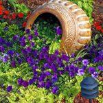 01-spilled-flower-pot-ideas-homebnc