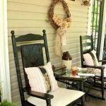 01-vintage-porch-decor-ideas-homebnc