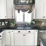 02-colors-painting-kitchen-cabinets-ideas-homebnc
