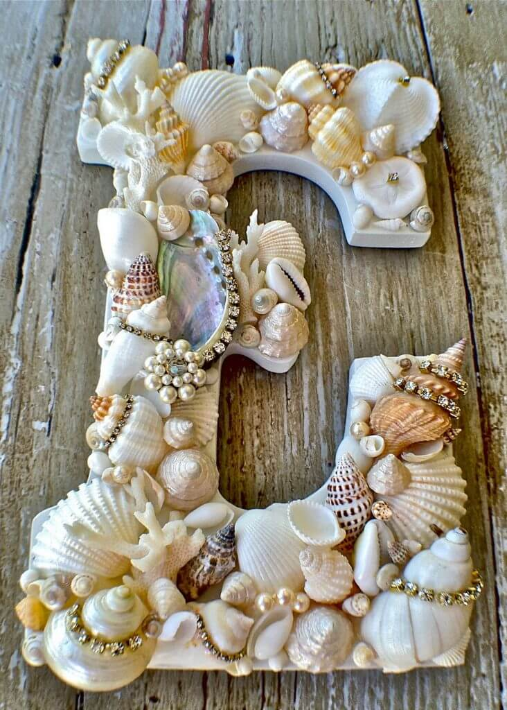 Shells and Pearls on the Letter E
