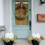 02-farmhouse-front-door-ideas-homebnc