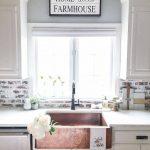 02-farmhouse-kitchen-backsplash-ideas-homebnc
