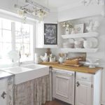 02-farmhouse-kitchen-sink-ideas-homebnc