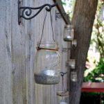 02-garden-fence-decoration-ideas-homebnc