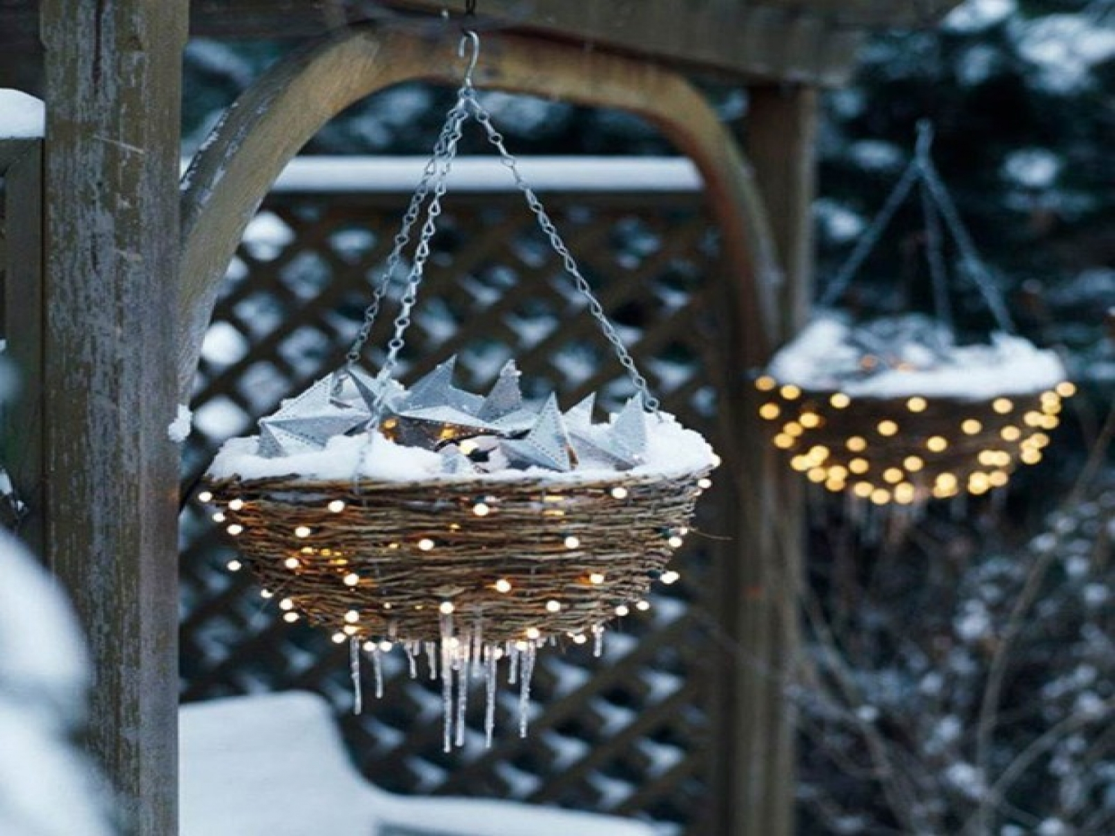 Hanging Lighted Flower Baskets Outdoor Christmas Decoration