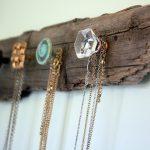 02-jewellery-organizer-ideas-homebnc