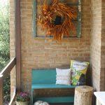 02-porch-wall-decor-ideas-homebnc