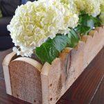 02-rustic-wooden-box-centerpiece-ideas-homebnc