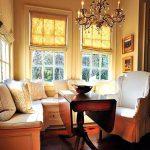 02-stately-elegance-breakfast-nook-ideas-homebnc