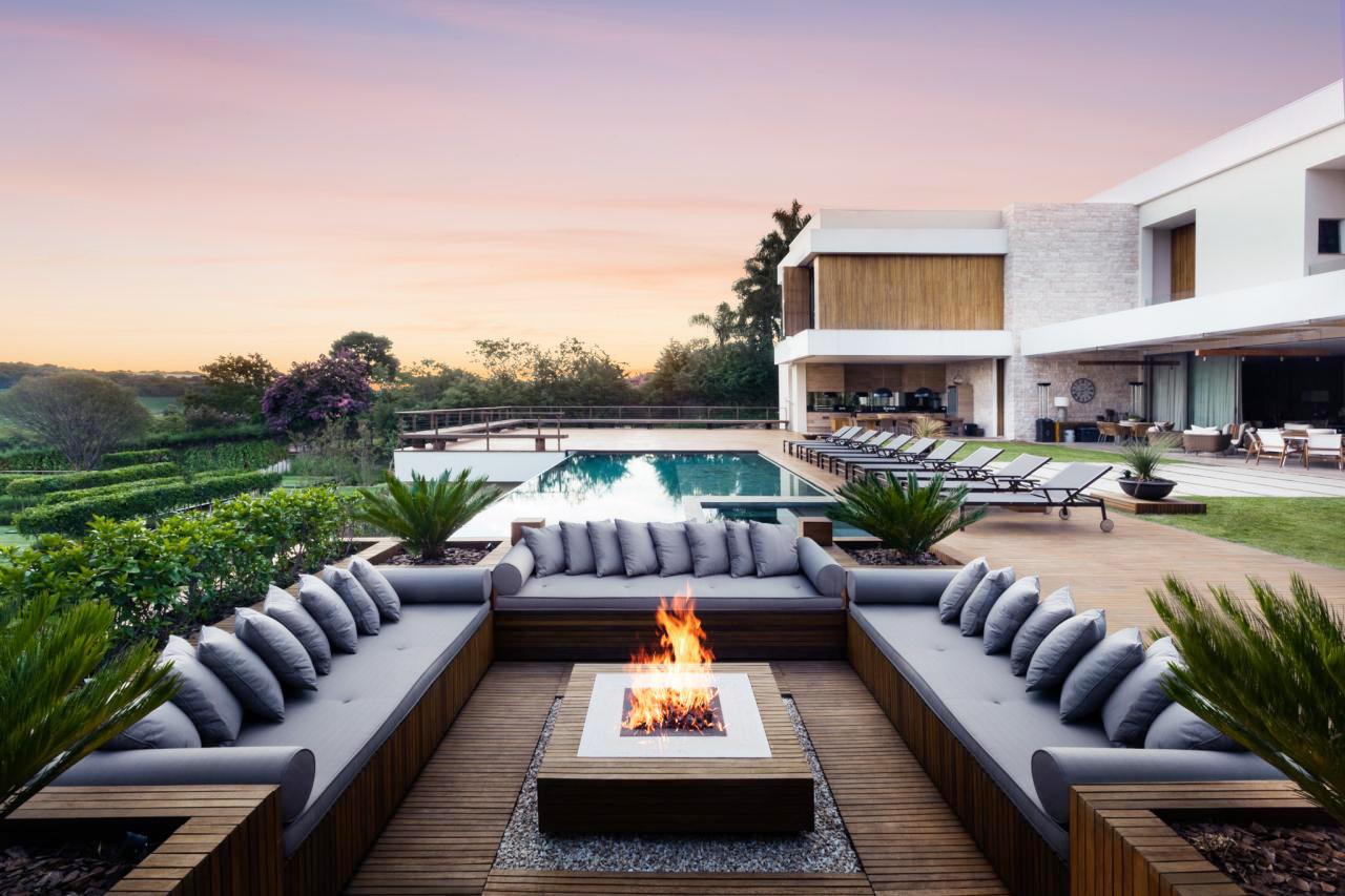 Drop Down Deck Fireplace Design
