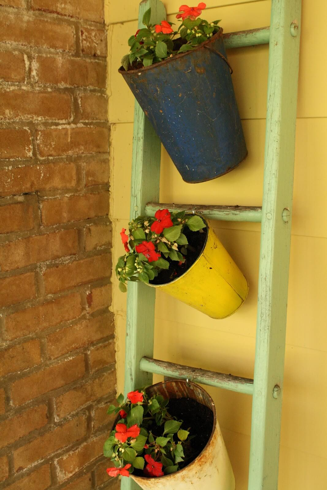 Outdoor Leaning Ladder Flowerpot Holder