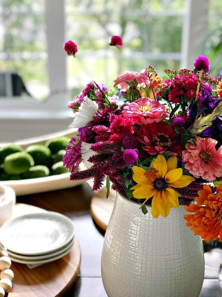 Warm and Friendly Fresh Fall Bouquet