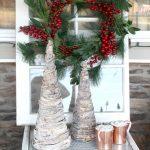 03-rustic-farmhouse-christmas-decor-ideas-homebnc