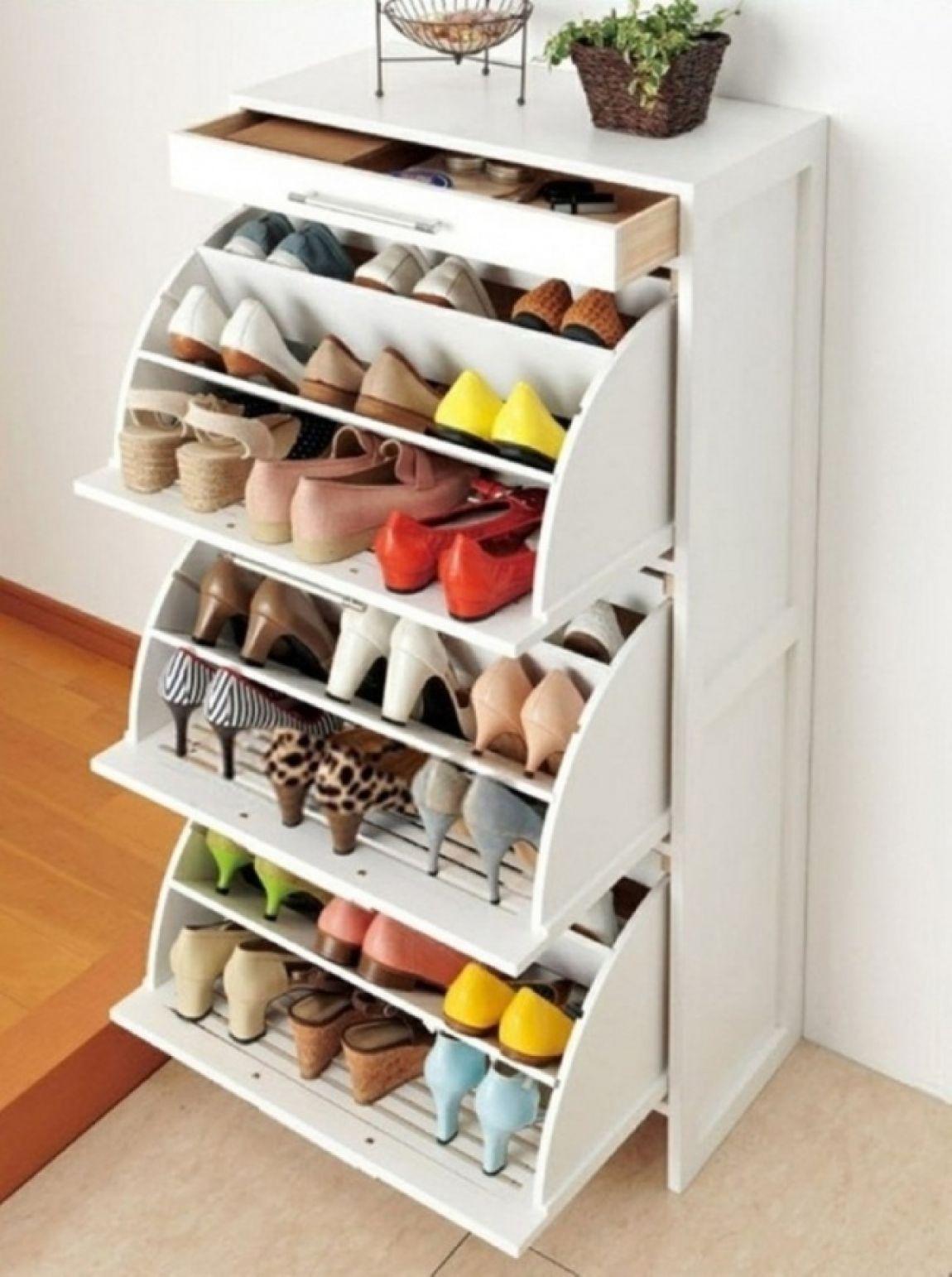 Shoe Cabinet Folio