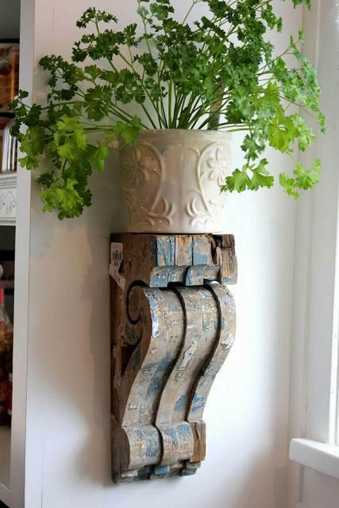 Single Antique Bracket Plant Stand