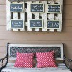 04-porch-wall-decor-ideas-homebnc
