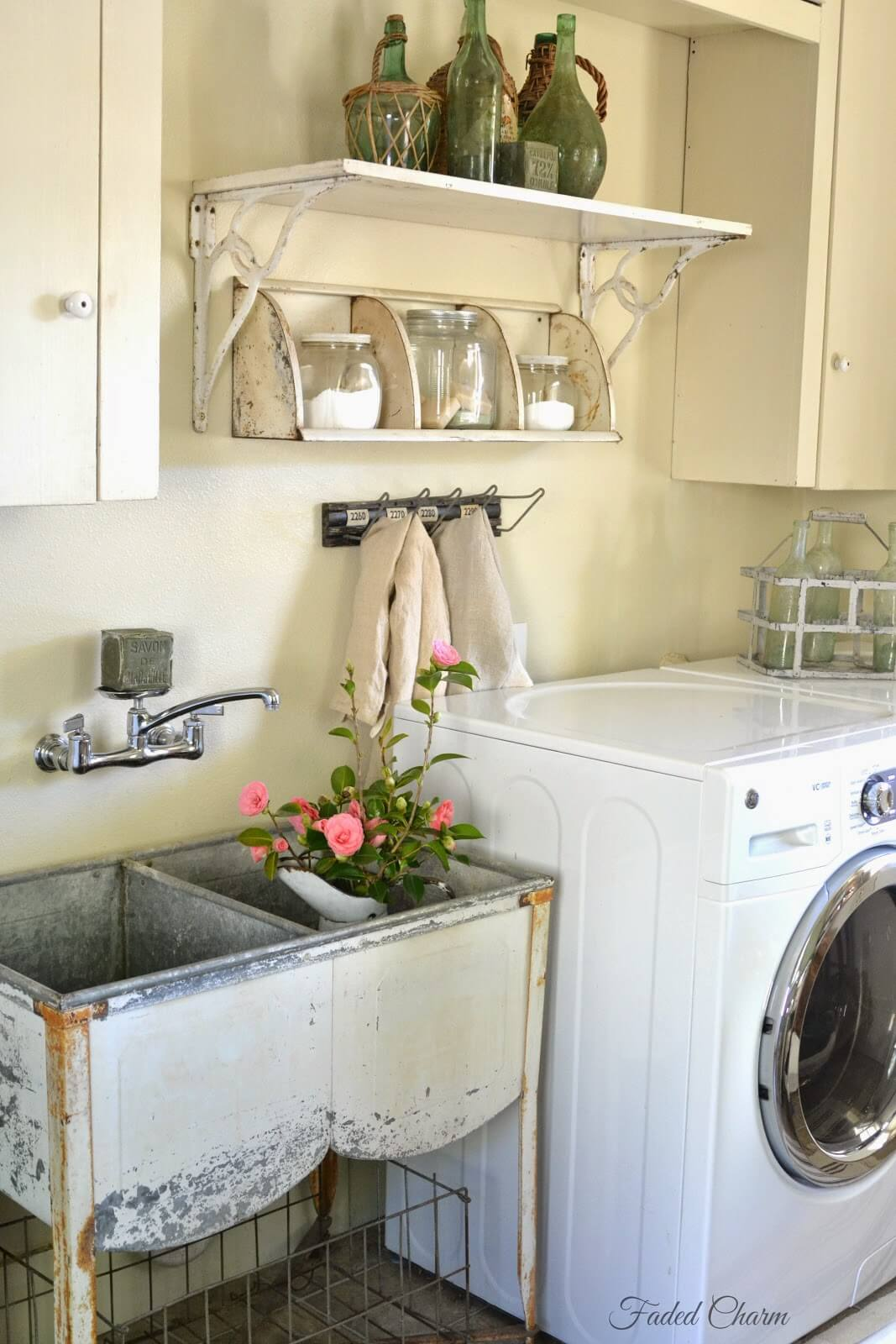 Antique Wash Tub Laundry Sink