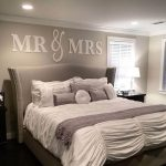 05-bedroom-wall-decor-ideas-homebnc