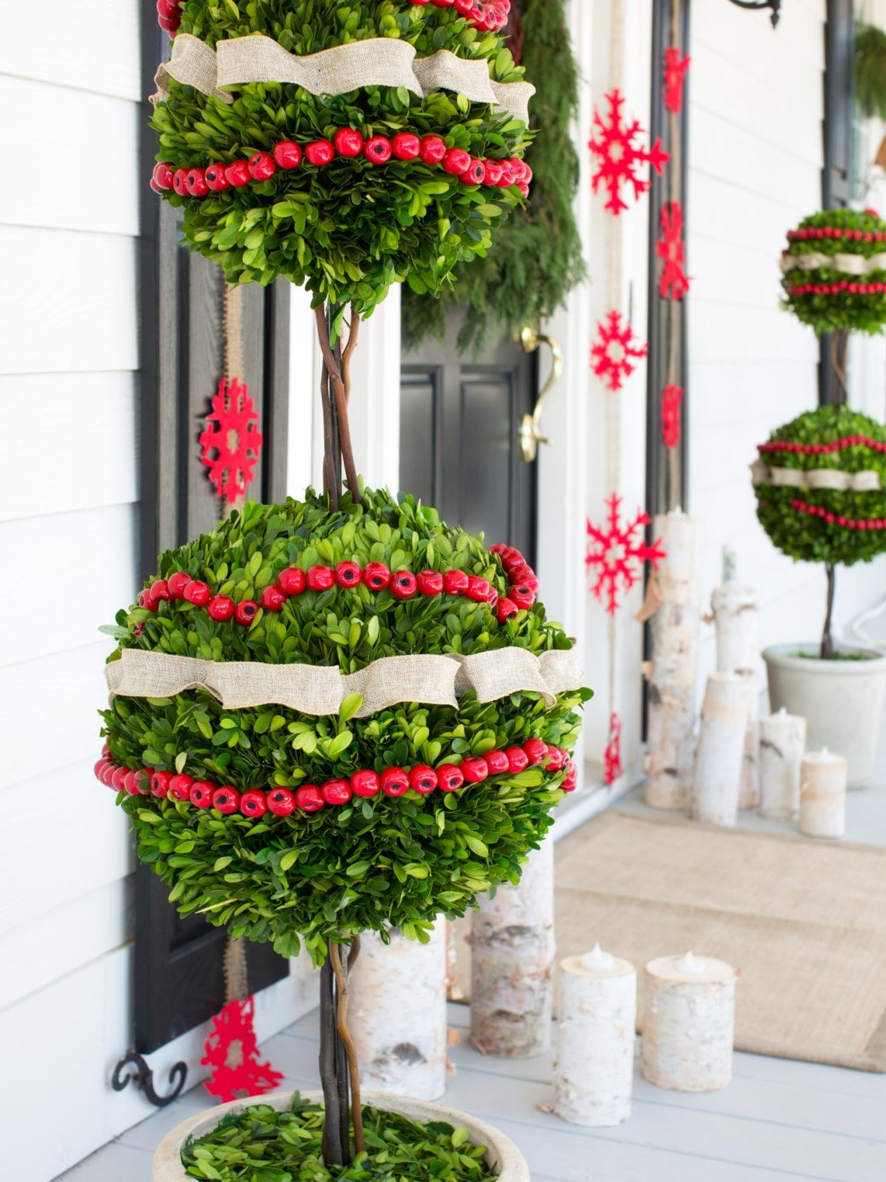 Pair of Boxwood Globes Christmas Decoration for Outdoors