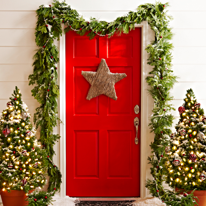 A Touch Of Starlight Christmas Door Decor