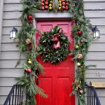 06-leafy-green-doorway-wreath-christmas-outdoor-decoration-homebnc