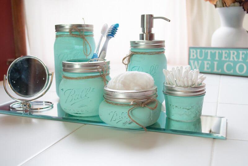Color Coordinate Your Bath