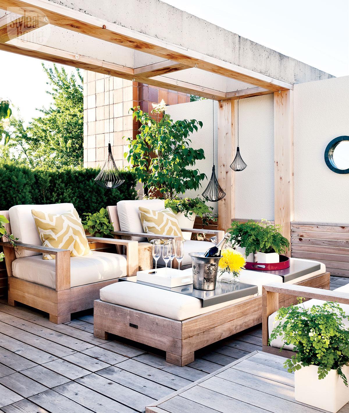 Modern Rooftop Terrace Retreat