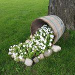 06-spilled-flower-pot-ideas-homebnc