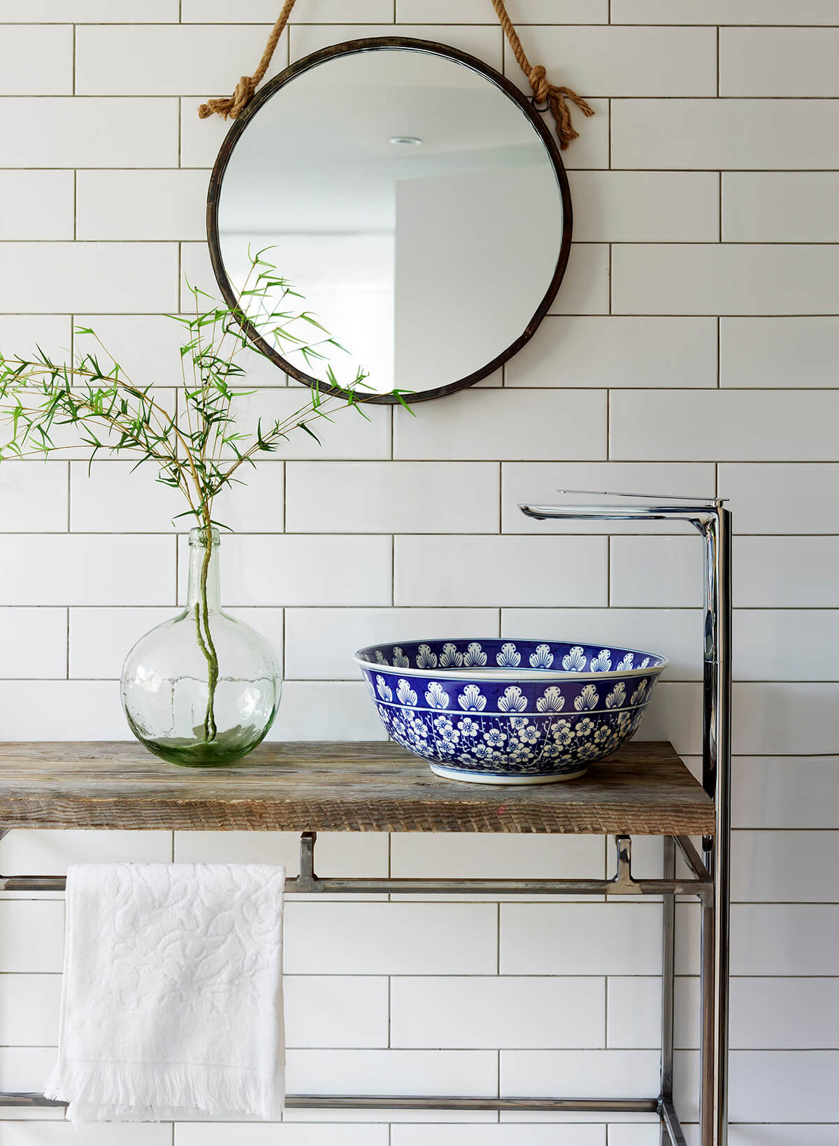 Beautiful Sink with a Pop of Color