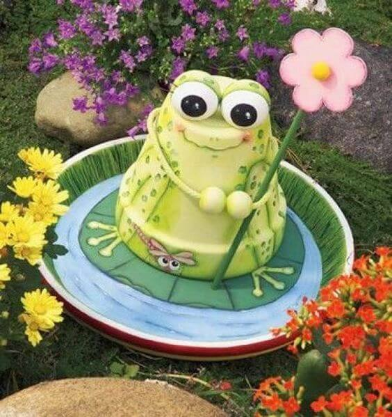 Cute Frog and Lily Pad Garden Decoration