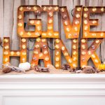 07-diy-thanksgiving-signs-ideas-homebnc