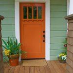 07-farmhouse-front-door-ideas-homebnc
