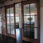 07-farmhouse-furniture-decor-ideas-homebnc