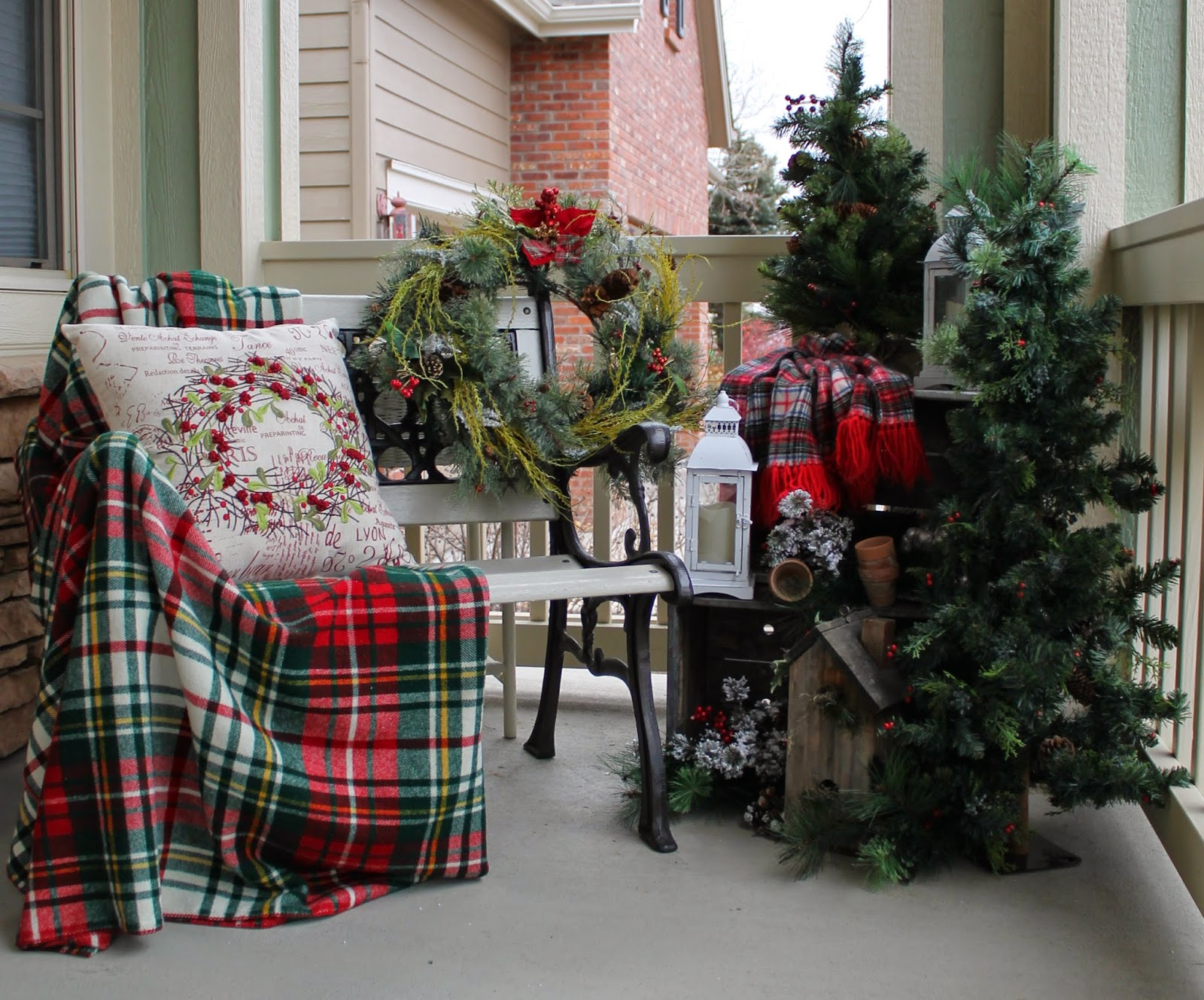 Holiday Welcome Bench