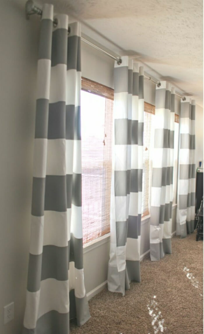 Big and Bold Stripes From Ceiling to Floor