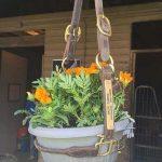 07-outdoor-hanging-planter-ideas-homebnc