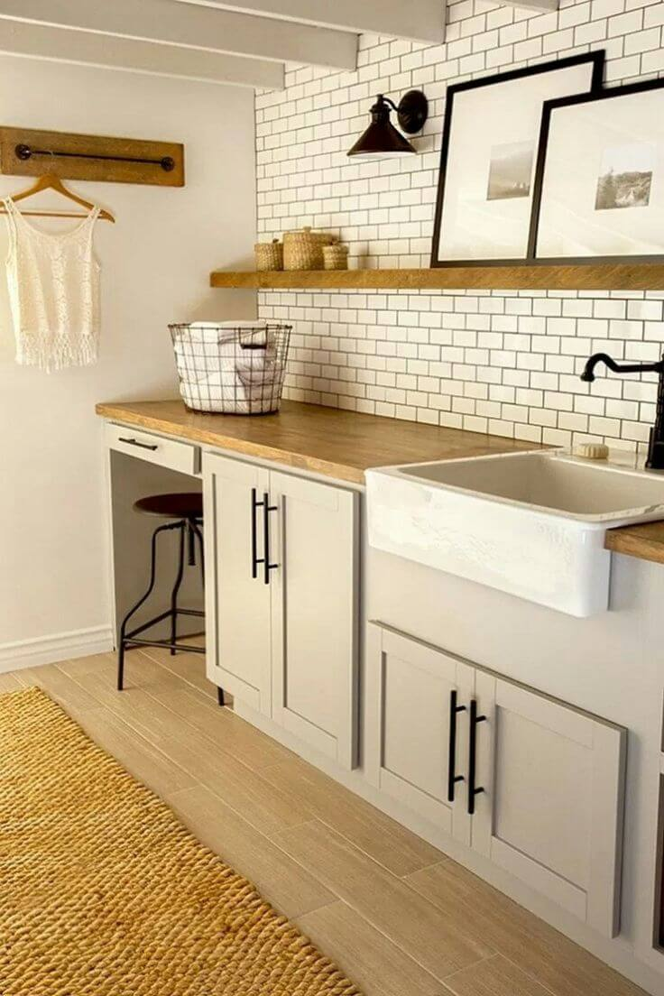 Utilitarian Beauty with a Subway Tile Backsplash