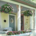 07-rustic-farmhouse-porch-decor-ideas-homebnc