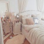 07-rustic-glam-decorations-ideas-homebnc