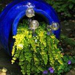 07-spilled-flower-pot-ideas-homebnc