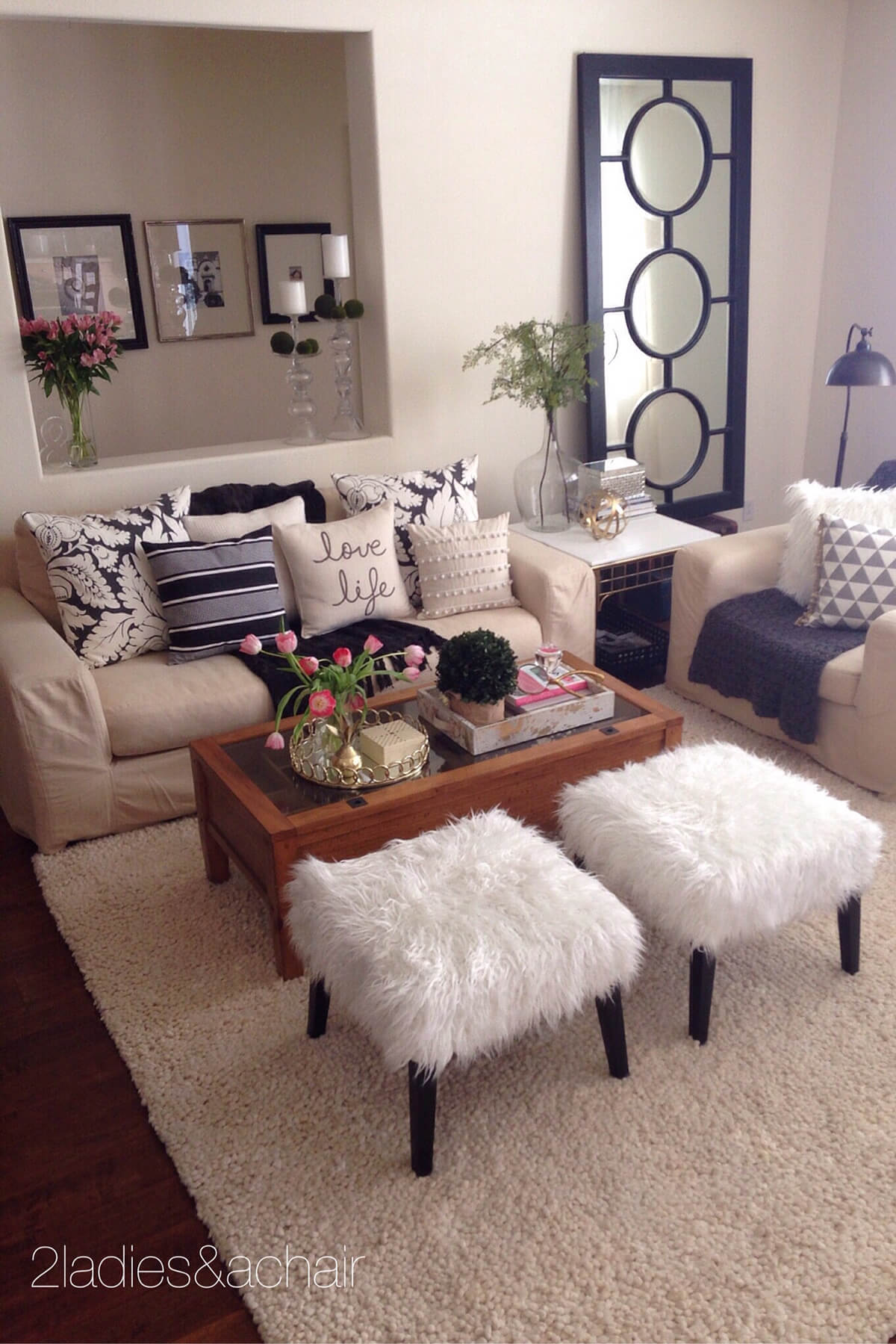 Fun, Comfy and Fashionable Sitting Room