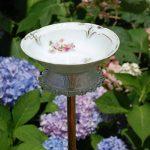 08-diy-bird-bath-ideas-homebnc
